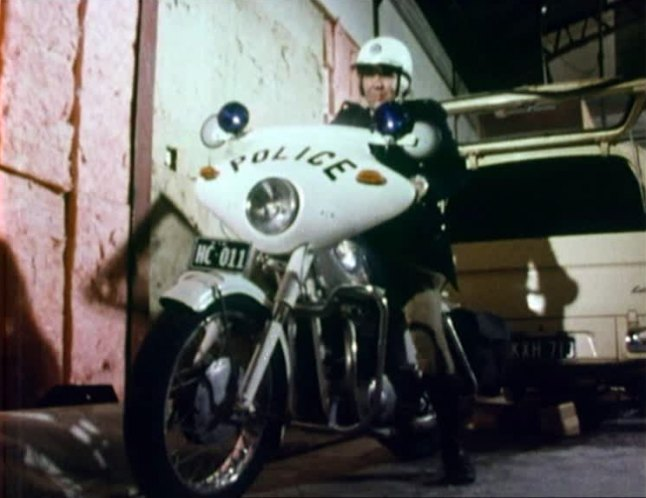 Kawasaki w1 police1